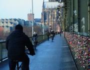 Über die Hohenzollernbrücke
