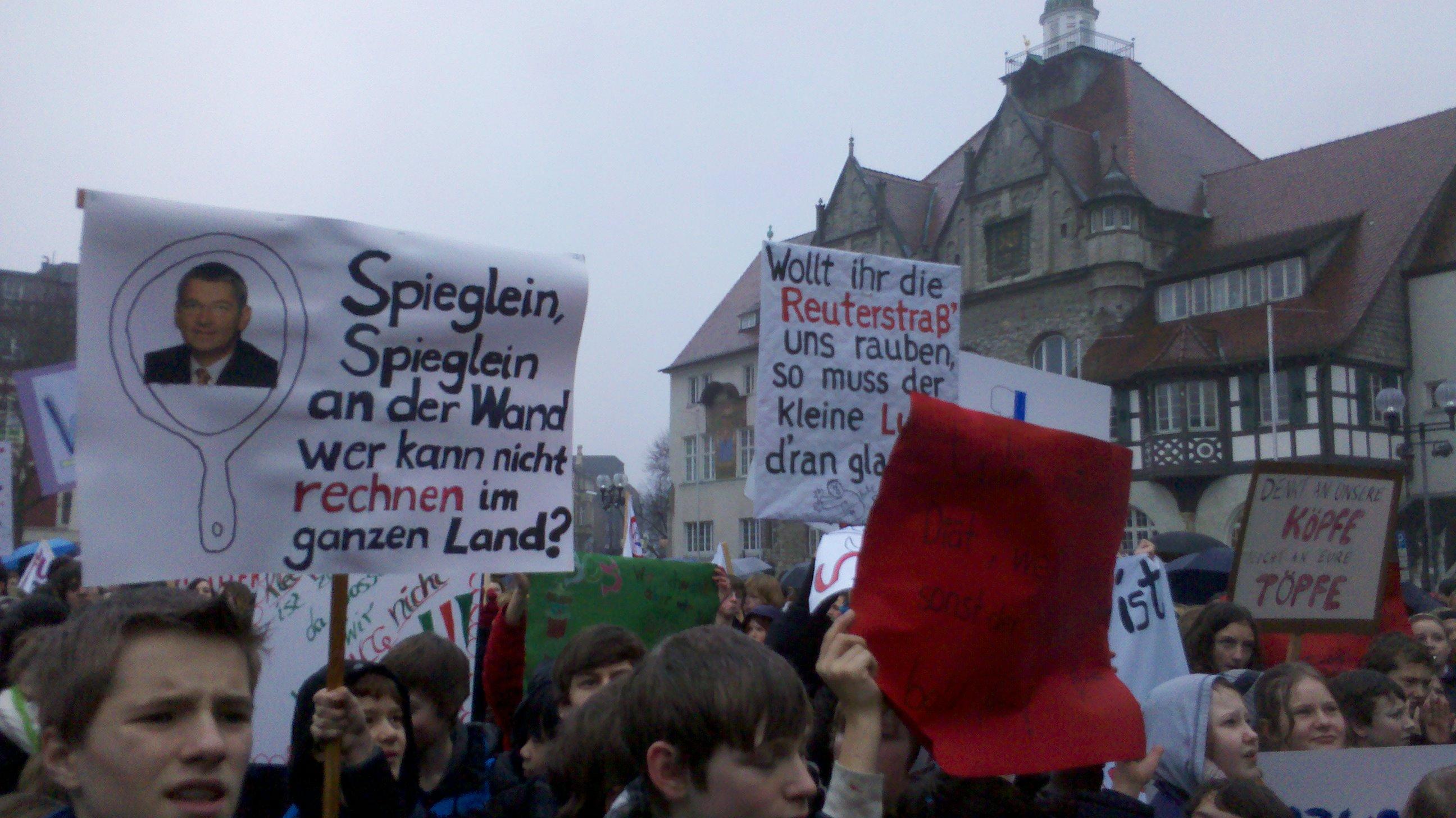 28-1-2012-demo-ncg-kleefeld-santillan_008