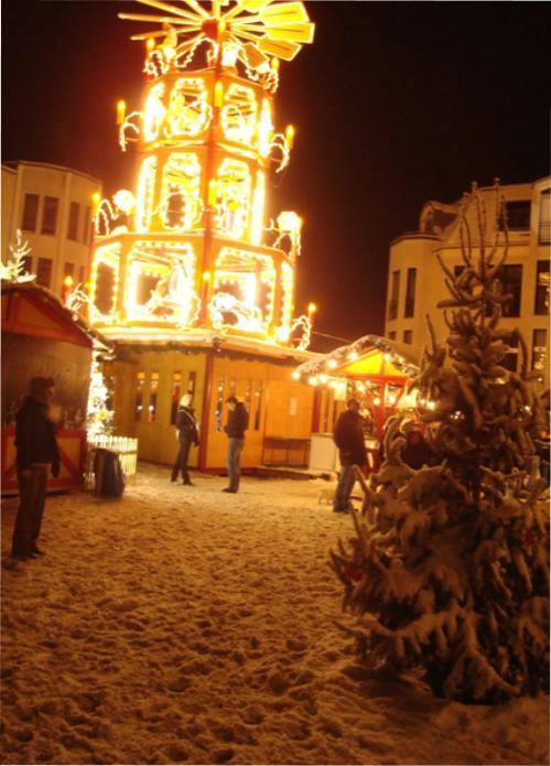 Bergisch Gladbach Weihnachtsmarkt.Feng Shui Weihnachtsmarkt Im Schlosshof Eröffnet