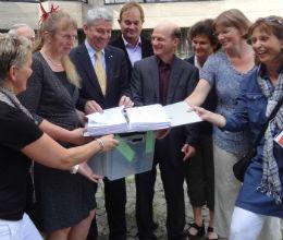 NCG Kistenweise_Unterschriften1 260