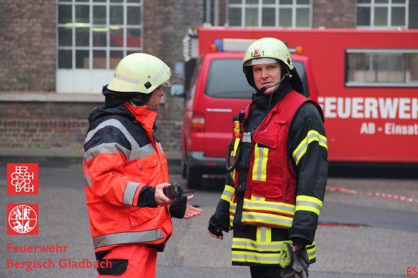 Die Gladbacher Feuerwehr bietet alle Kräfte auf. Foto: Feuerwehr GL