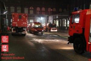 Die Gladbacher Feuerwehr im Großeinsatz. Foto: Feuerwehr GL