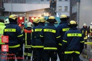 Das THW hat die ganze Zeit über die Feuerwehr unterstützt