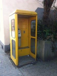 Keine Tür mehr, keine Schönheit: Die Zelle an der GGS Hebborn, Odenthaler Straße