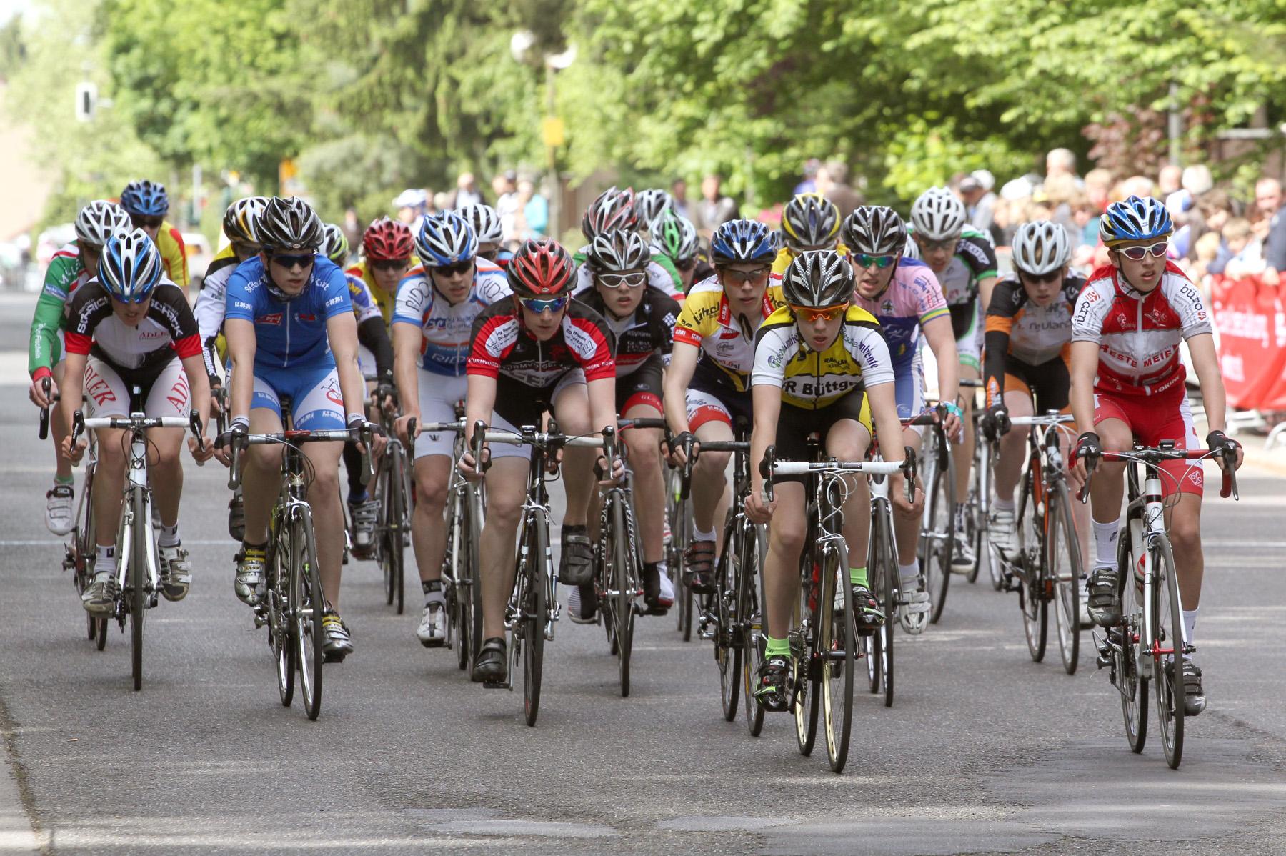 """62. Radrennen """"Rund in Refrath"""" um den Mediterana Preis"""
