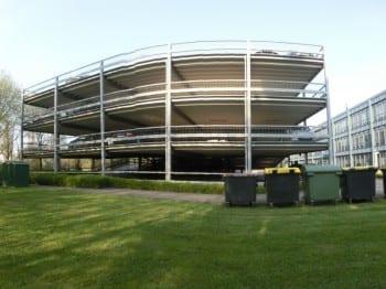 Das Parkdeck Buchmühle soll niedriger werden als diese Anlage in Köln Holweide