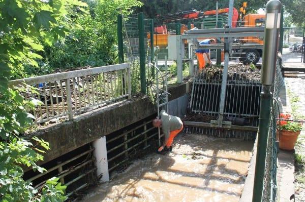 Der Hochwasserrechen am Durchlass Odenthaler Straße