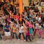 Tanzender Flashmob in der RheinBerg Galerie