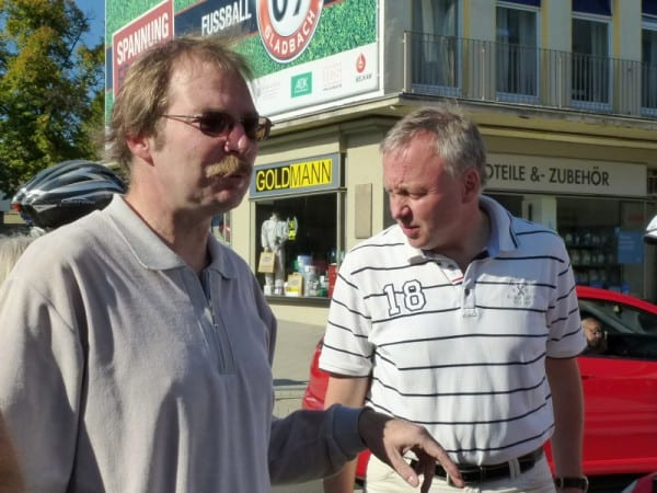 Sven Bersch (l.) hat sich lange für die Radstation stark gemacht; der Konflikt mit Baurat Stephan Schmickler scheint nicht mehr zu kitten. Archivfoto 2013