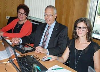 Sprecherin Birgit Bär, Landrat Herman-Josef Tebroke und Social-Media-Managerin Hannah Weißgerber