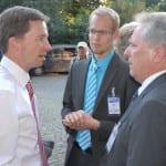 AfD-Parteichef Bernd Lucke (l.) mit Bezirkschef Daniel Obst und Bundestagskandidat Martin Haase