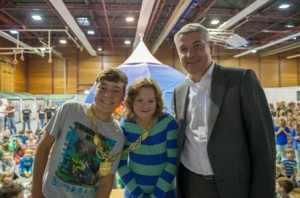 René und Louisa mit Lutz Urbach