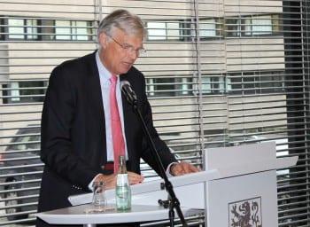 Jürgen Mumdey stellt den Etatentwurf vor. Foto: M. Rölen
