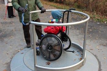 Eine der wenigen Ausnahmen: ein Karussell am Spielplatz in Diepeschrath