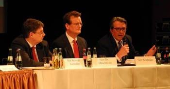 Klaus Duenchheim, Roman Fischer bei der Bürgerversammlung im Bergischen Löwen