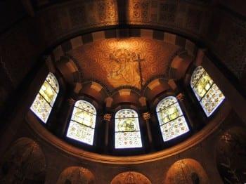 Der Chorraum der Laurentiuskirche