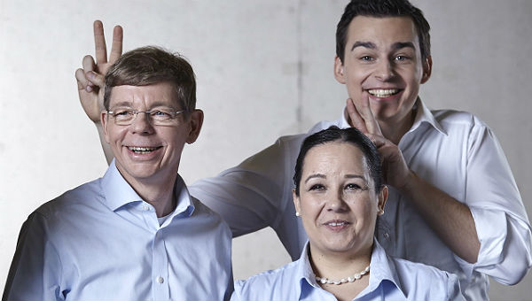 Michael Schubek mit SPD-Stadtratskandidaten Vanessa Nasshoven-Kroelling und Marcel Kreuz.
