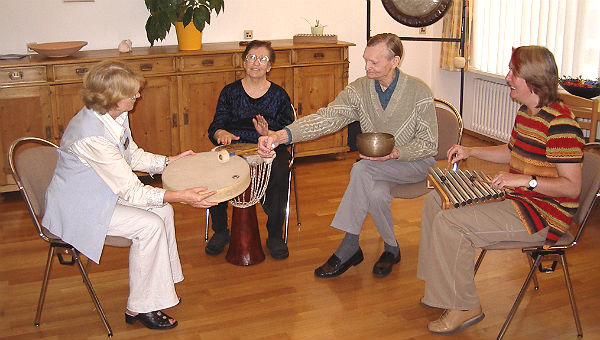 Musiktherapie im Tageshospiz Bensberg
