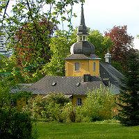 Zum Mitsommerpicknick in den Park der Gnadenkirche