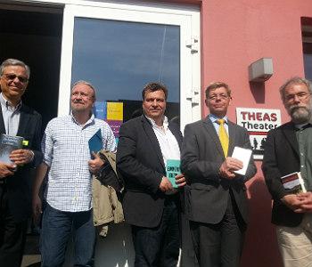 Fünf der sechs Kandidaten nach der Lesung. Lutz Urbach war da bereits auf dem nächsten Termin.