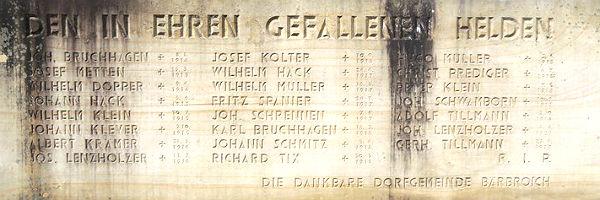 Gedenkstein an der Bärbroicher Kirche 600
