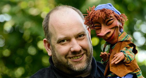 Gerd J. Pohl mit seinem Hauptdarsteller