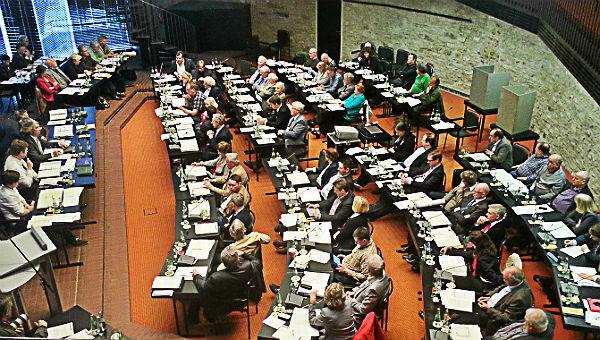Der Stadtrat im Ratsaal Bensberg in der alten Zusammensetzung