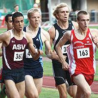 Schnelle 1500m-Rennen in der Bahnlaufserie