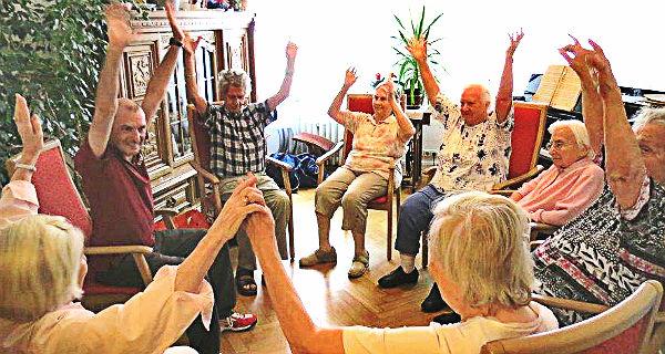 Bewegung für die Wohngemeinschaft für Menschen mit Demenz in Bensberg