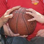 """Die """"rote Kugel"""" hüpfte beim Basketball-Camp"""