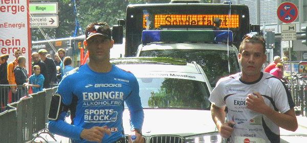 Sebastian Koch (r.) und Marco Henrichs beim Köln Marathon