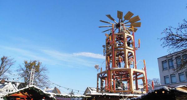 Die begehbare Weihnachtspyramide in Refrath