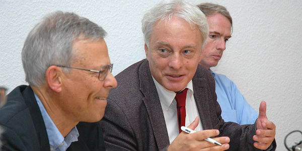 Klaus Waldschmidt (SPD) argumentiert mit Jörg Krell (FDP)