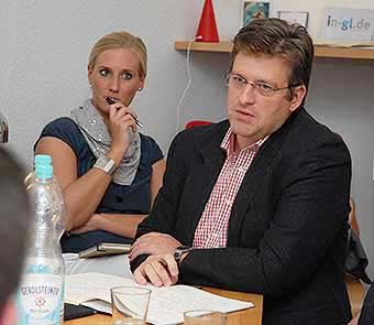 CDU-Fraktionsgeschäftsführer Lennart Höring mit CDU-Ratsmitglied Claudia Casper