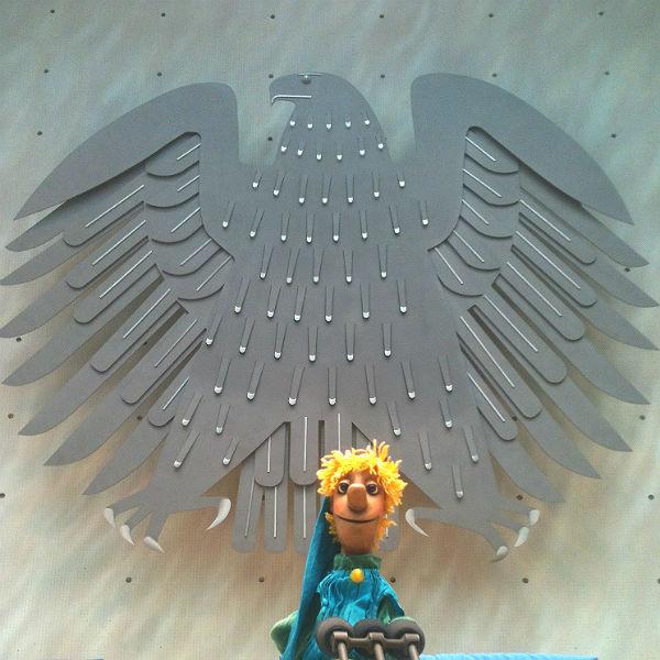 Ein Holzkopp im Bundestags