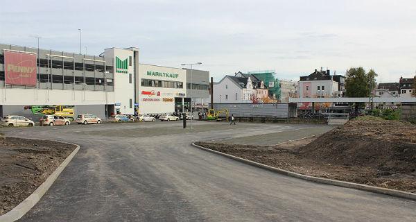 Die Zufahrt zum neuen Parkplatz von der Jakobstraße aus