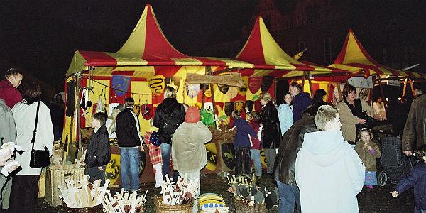 Der Martinsmarkt auf dem Konrad-Adenauer-Platz Bergisch Gladbach
