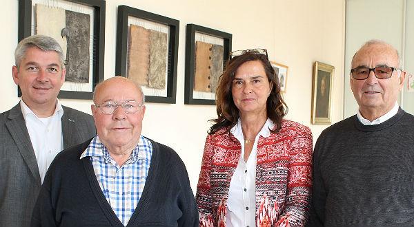 Bürgermeister Lutz Urbach, NaDePri-Schatzmeister Peter Esser, Leiterin des Frauenhauses Gerda Gehlen und NaDePri-Präsident Dieter Gier.
