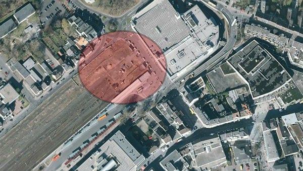 Das Kopfgrundstück am S-Bahnhof: Derzeit Parkplatz, demnächst womöglich Standort des neuen Stadthauses