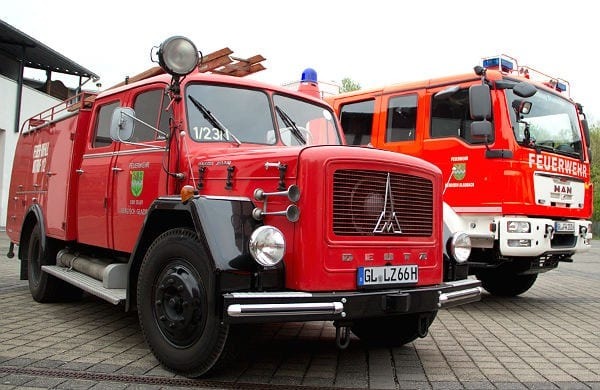 Alter und neuer TLF der Feuerwehr Bergisch Gladbach Löschzug Stadtmitte