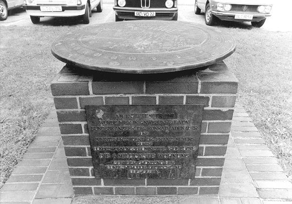 Die alte Gedenktafel. Foto: Peter Mattes