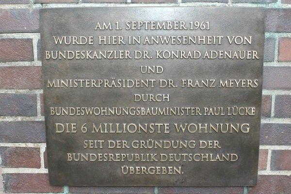 Der Text auf der wieder hergestellten Bronzetafel
