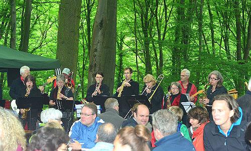 Sport und Musik vor grüner Kulisse