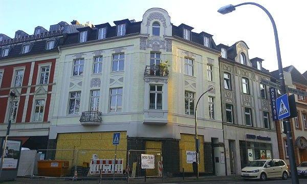 Die Krüger-Immobilie am Markt in Bergisch Gladbach. Zieht hier Starbucks ein?