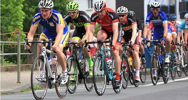 Rund um Refrath: Radrennen des RSV Staubwolke 2015