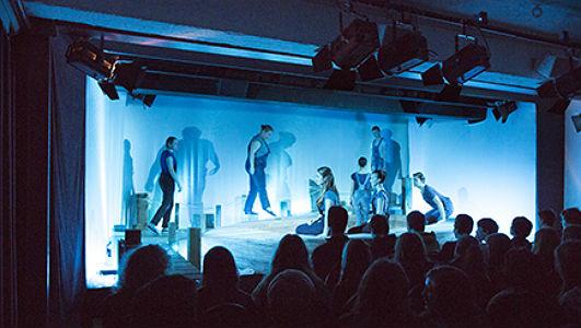 Spuren im Wasser - Produktion des Jungen Ensembles im Theas 2014