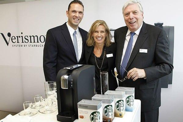 Marc Krüger, Willibert Krüger und die damalige Europa-Chefin von Starbucks, Michelle Gass