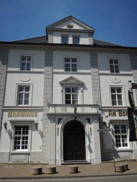 7 erhaltene Fassade Am Bock