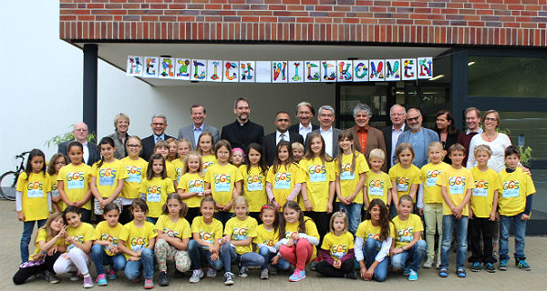 Stadt und Schule feiern Einweihung der Turnhalle Paffrath