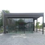 Fast fertig: Eine noble Radstation am S-Bahnhof